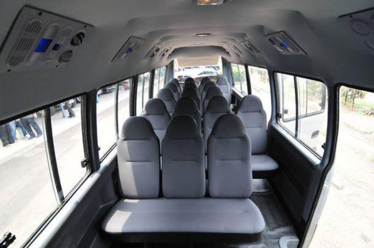 jumlah kursi penumpang elf long