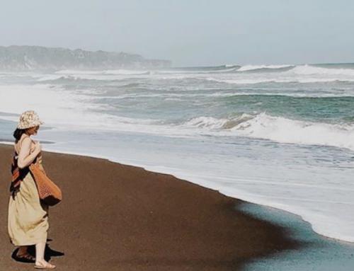 Pantai Depok, Menikmati Pesona Indahnya Pantai Sambil Kuliner