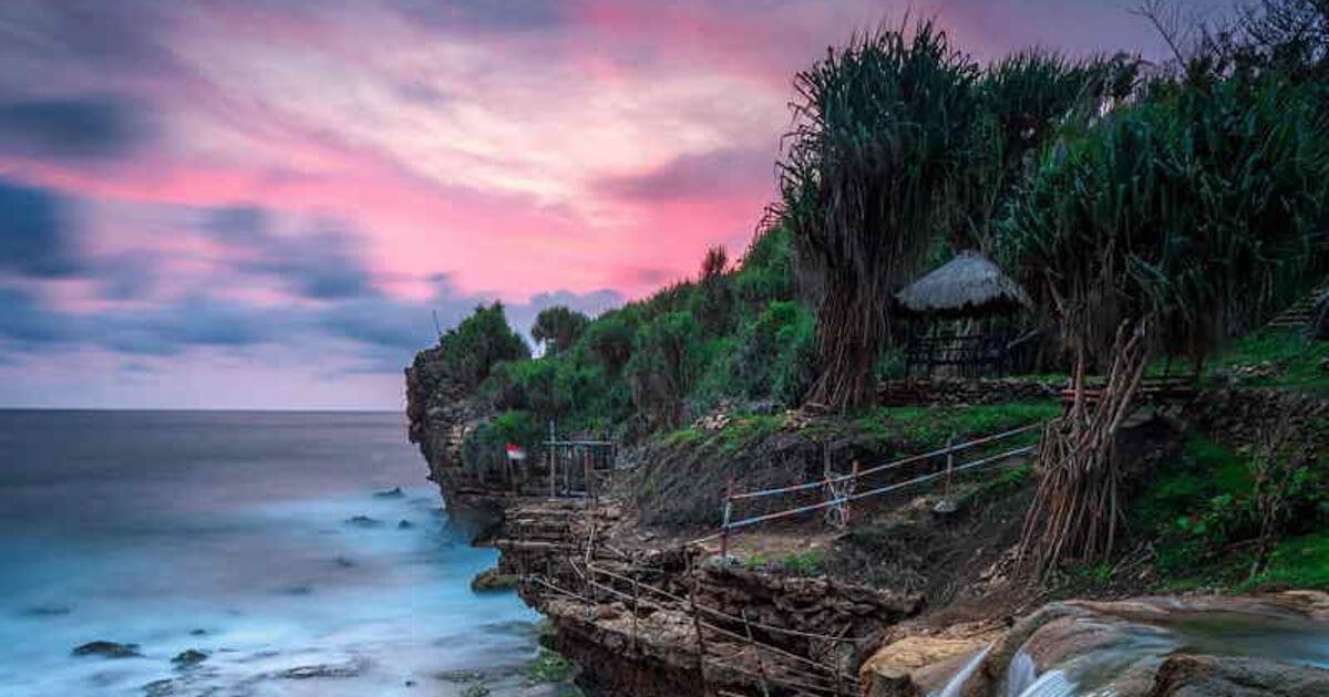 Lokasi Pantai Jogan