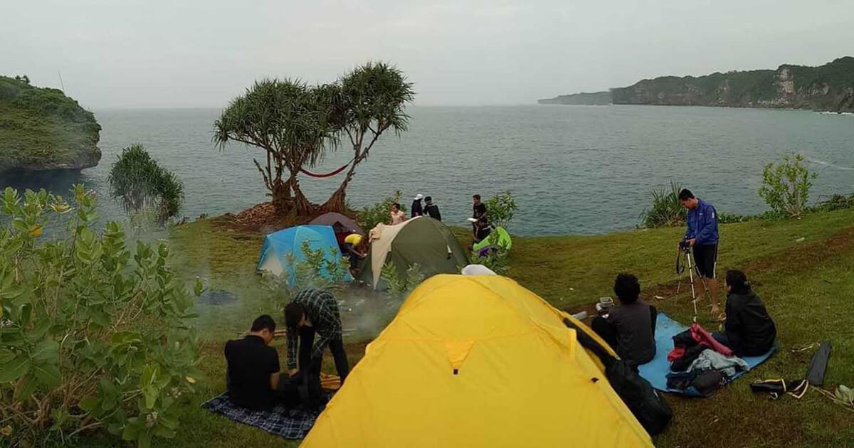 Pantai Kesirat Camp